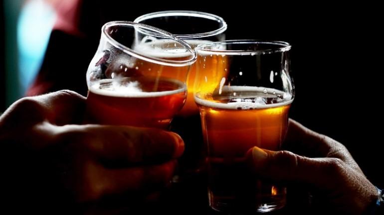 craft-beer-cheers
